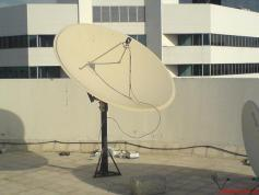 180 cm Paraclypse Prime Focus Dish with UNI LNB Invacom FLANGE SNF 031 and Adjustable Feed Horn Invacom ADF 120 in Dubai UAE nr1